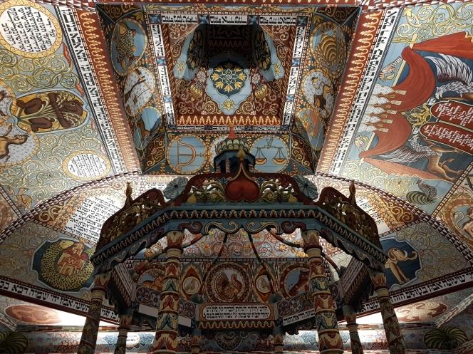 la sinagoga di Gwozdziec ricostruita dentro il Polin Museo della Storia degli Ebrei polacchi